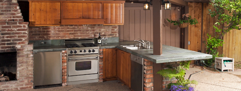 Is an Outdoor Kitchen Right For Your Patio?